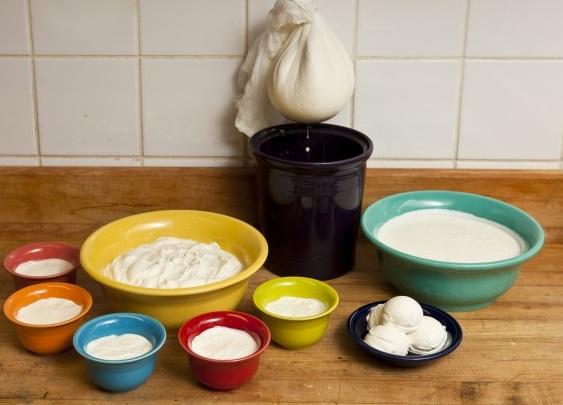 Cómo hacer yogur griego casero y natural – Receta fácil y simple